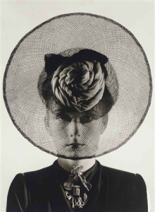 erwin-blumenfeld-hat-and-jewelry-1938