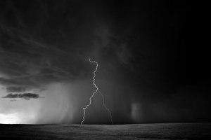 Dobrowner-Lightning-Storm