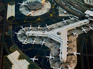 jeffrey-milstein-airports-newark-2