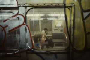 christopher-morris-photographs-the-gritty-NYC-subway-in-1981-designboom-04