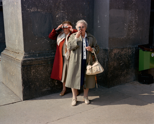 pg-27-women-with-cameras-milan-81-dolce_via_106
