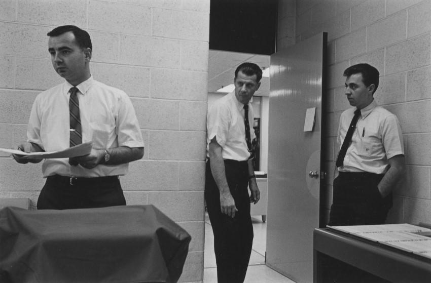 en-025-office-workers-detroit-1968-custom