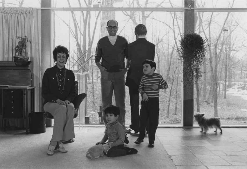 en-106-gilbert-and-lila-silverman-with-their-children-paul-and-eric-detroit-1968-custom